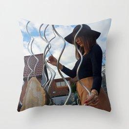 LARA LAY - Fashion Sculptured Throw Pillow
