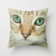 FELINE BEAUTY Throw Pillow