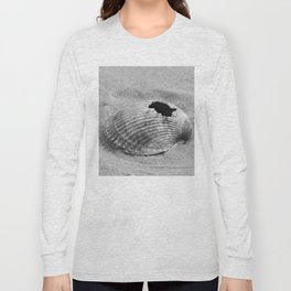 broken shell, black and white Long Sleeve T-shirt