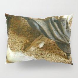 Expo sculptures Pillow Sham
