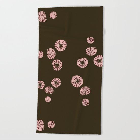 Dandelion flying brown Beach Towel