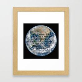 La Tierra no es Plana Framed Art Print