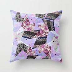 FLORAL HYPNOSIS  Throw Pillow