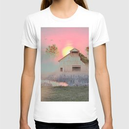 OLD BARN IN THE FOG T-shirt