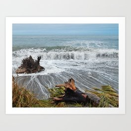 Sea and driftwood mix it up Art Print