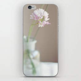 Spring bouquet I iPhone Skin
