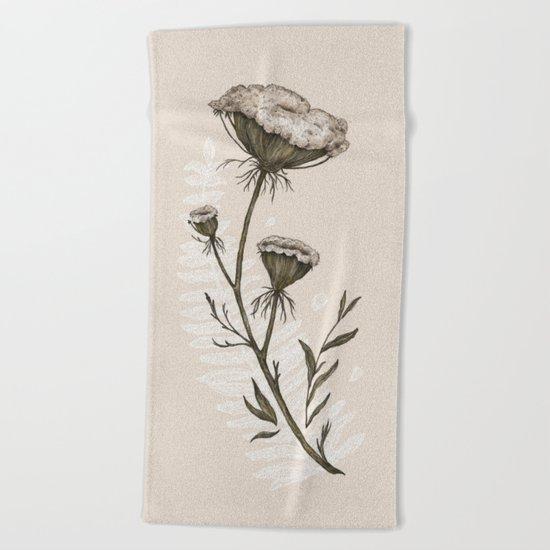 Queen Anne's Lace Beach Towel