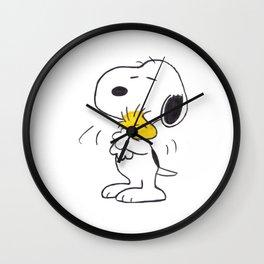hug Peanuts Snoopy Wall Clock