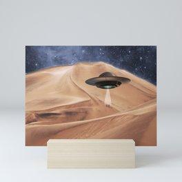 ALIEN DESERT ABDUCTION Mini Art Print