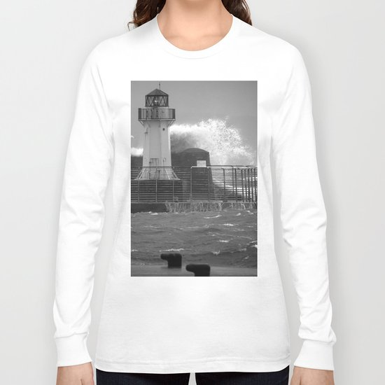 Ardrossan Lighthouse Versus the Sea Long Sleeve T-shirt