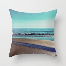 silent sylt (vintage) Throw Pillow