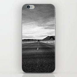 middle of the road iPhone Skin