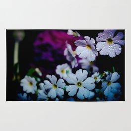 Rainy White Flowers Rug
