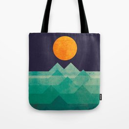 The ocean, the sea, the wave - night scene Tote Bag