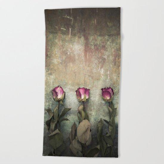 Three dried Roses Beach Towel
