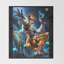 tracer over Throw Blanket