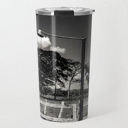 ciel et nuages et lampadaire dans campagne au Venezuela Travel Mug
