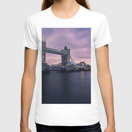 London, England 15 T-shirt