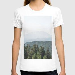 Lookout Ridge - Mountain Nature Photography T-shirt