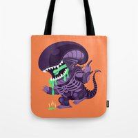 xenomorph Tote Bags featuring Cute Xenomorph by nocturnallygeekyme