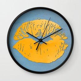 dp048-9 Watercolor kiss Wall Clock