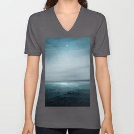 Sea Under Moonlight Unisex V-Ausschnitt