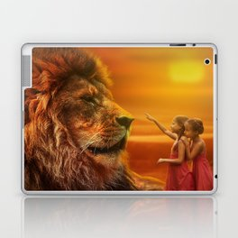 Lion twins   Lion et jumelles Laptop & iPad Skin