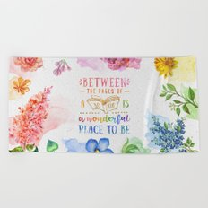 Between the pages Beach Towel
