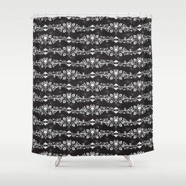 Fleur De Crâne Shower Curtain