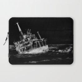 shipwreck aqrebwi Laptop Sleeve