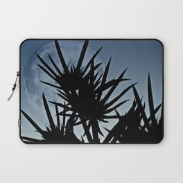 Se Holly and the moon. Laptop Sleeve