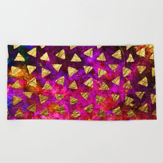 Triangles golden foil Beach Towel