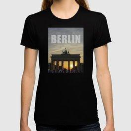 BERLIN, Sunset at the Brandenburg Gate T-shirt