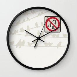 Birds Sign - NO droppings 3 Wall Clock
