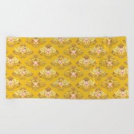宇良 • baby sekitori (yellow) Beach Towel