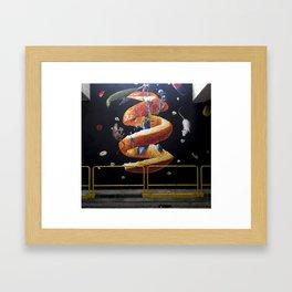 """Hay que buscar en el interior de la corteza"""" Framed Art Print"""