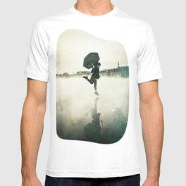 La danse de la pluie T-shirt