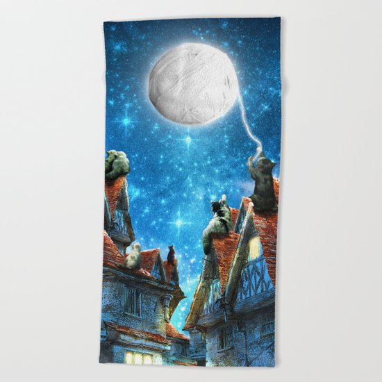 Feline Dreams Beach Towel