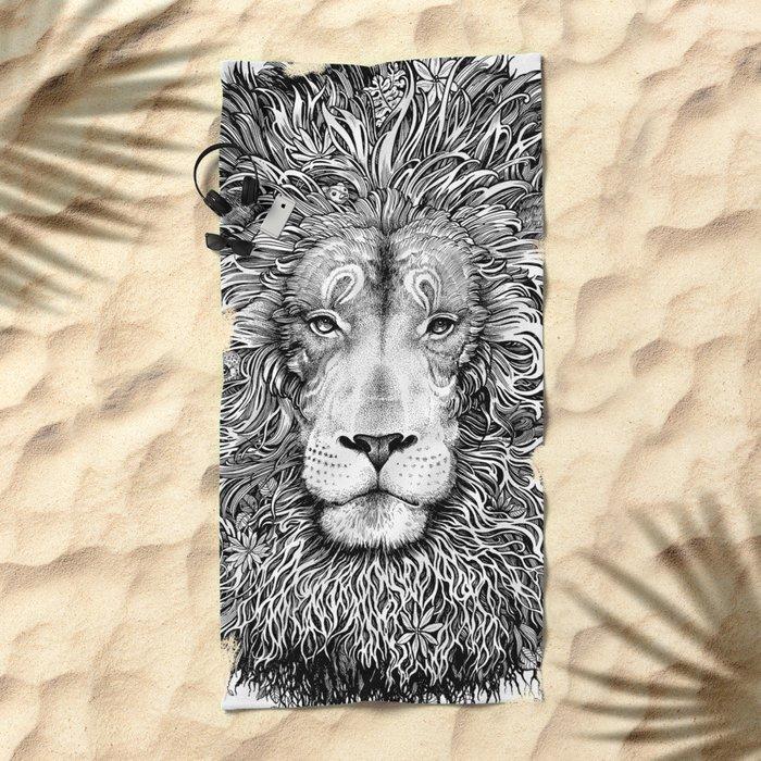 king of the jungle Beach Towel