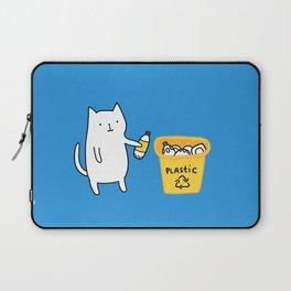 Cat recycles plastic Laptop Sleeve