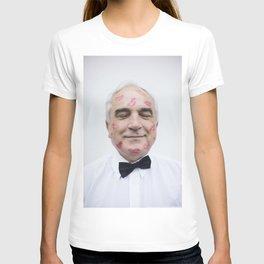 Man and kisses T-shirt