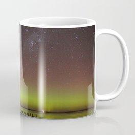 Aurora Boreal Lakeside Coffee Mug