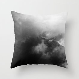 In the mountains | Im Gebirge Throw Pillow