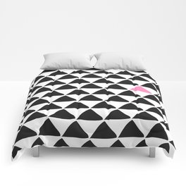 Black triangles & a weird one. Comforters