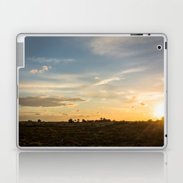Ocaso en la marisma Laptop & iPad Skin