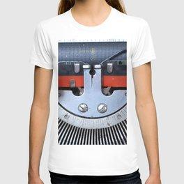 Vintage typewriter 2 T-shirt