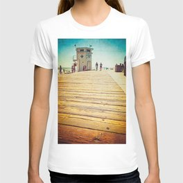 LAGUNA BEACH - BOARDWALK AND LIFEGUARD TOWER T-shirt