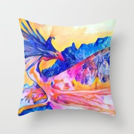 dragon benefico Throw Pillow