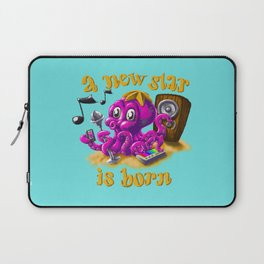 A new star is born - Singing octopus Laptop Sleeve