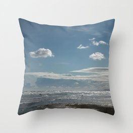 Clear mind Throw Pillow